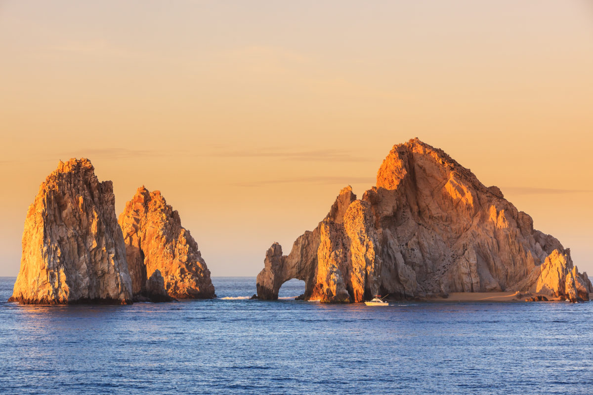 Vacation Express Adds New Nonstop to Cabo