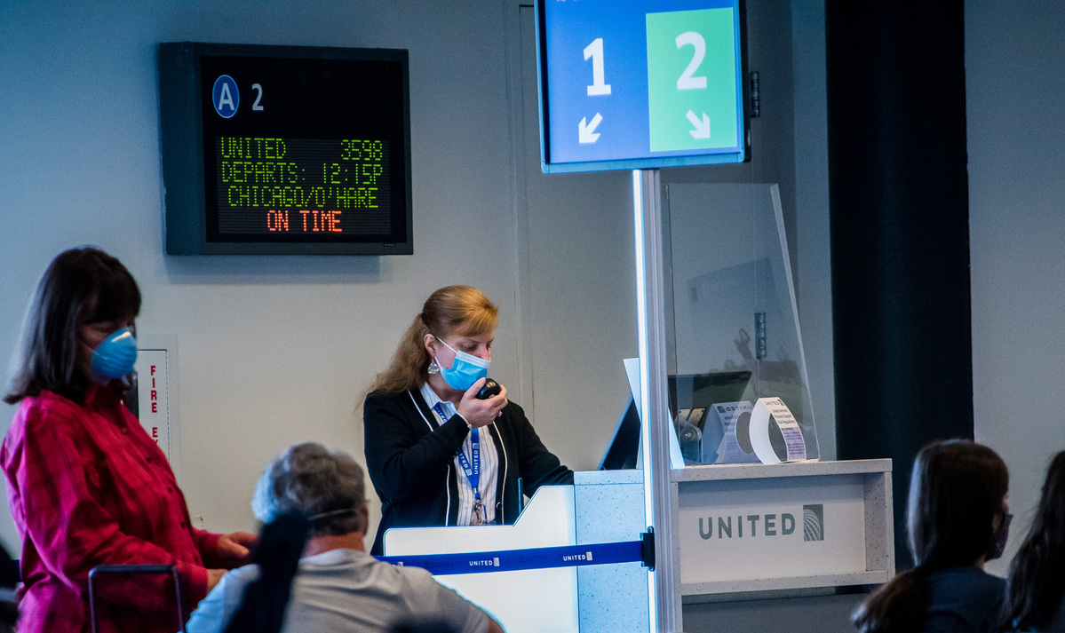 Airlines, Employees Brace for an Ugly Fall