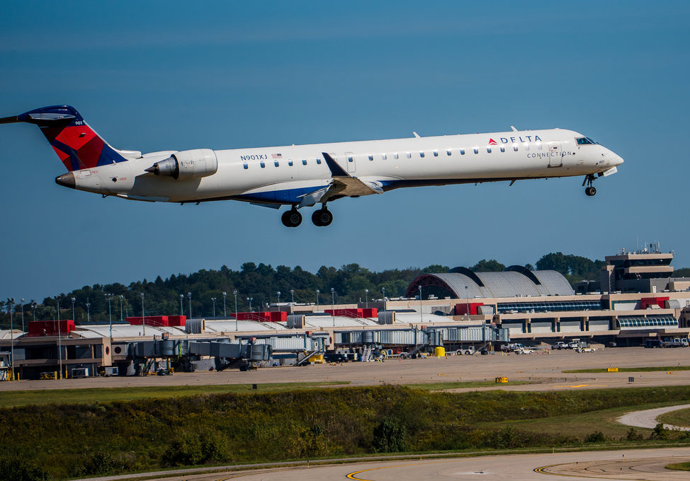 For Leery Business Travelers, Delta Stages Airport Show 'n Tell