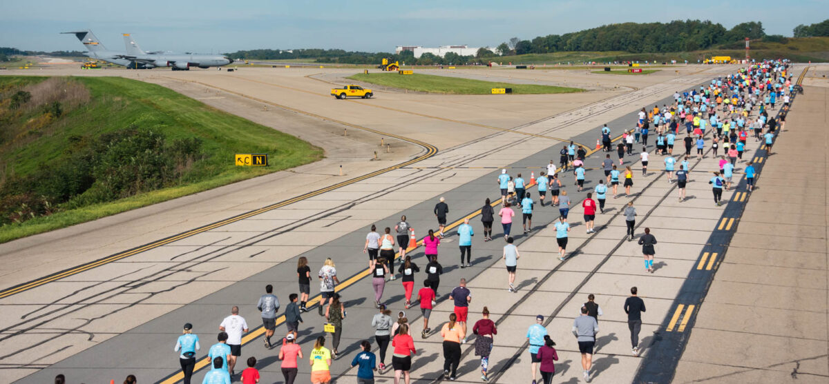 Slideshow: More than 1,300 Racers Run the Runway